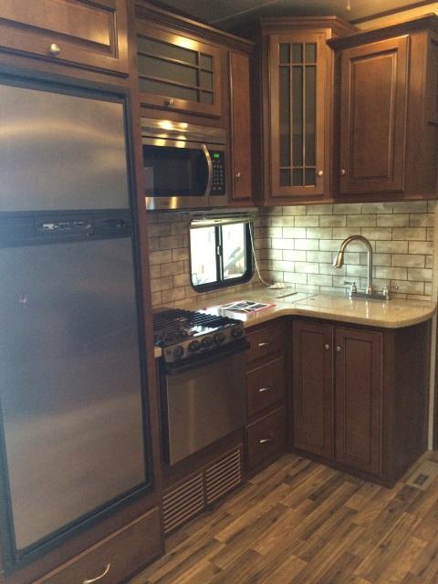 Heartland Silverado 37QB Kitchen
