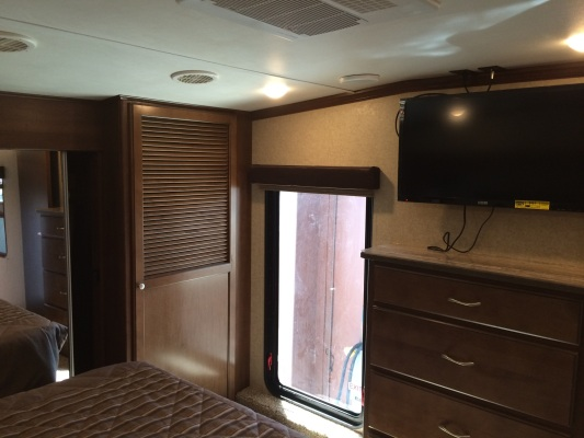 Heartland Silverado 37QB Bedroom